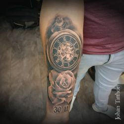 Clock and Rose tattoo – Johan Schouten